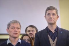 USR negociaza cu Ciolos pentru liste comune la europarlamentare si asteapta alegeri anticipate