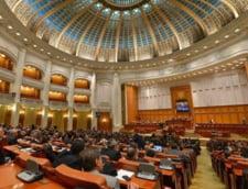 USR sesizeaza CCR pe modificarile aduse conflictului de interese. PNL asteapta dupa Iohannis