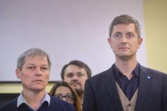 USR si partidul lui Ciolos cer tuturor romanilor sa se uneasca: Avem nevoie de sprijinul dumneavoastra!