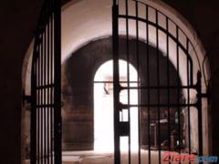Ucigasul politistului din gara din Suceava s-a spanzurat in inchisoare