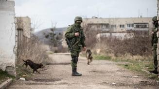 Ucraina acuza: Unul din avioanele sale a fost atacat la granita cu Crimeea