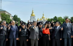 Ucraina da mai multa autonomie regiunilor separatiste