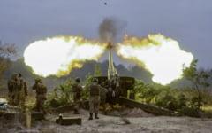 Ucraina in flacari, sub presiunea militara si razboiul informational al Rusiei la Casa Alba