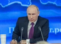 Ucraina protesteaza fata de vizita lui Vladimir Putin la santierul naval din Kerci, in peninsula Crimeea