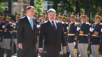 Ucraina vrea sa scape de Rusia cu gazul romanesc: Ce i-a propus Porosenko lui Iohannis