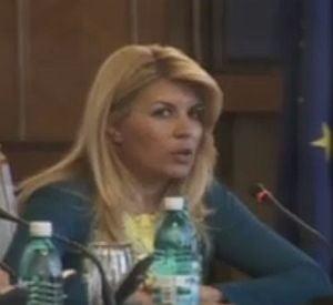 Udrea, despre plecarea lui Badescu: Cei care sunt slabi parasesc barca PD-L