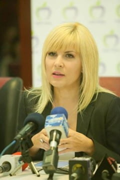 Udrea, dupa cazul Vosganian: Cand a fost vorba de mine, au stat pana la 1 noaptea sa voteze. Se tem de puteri oculte