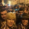 Udrea a votat la Paris, dupa 8 ore in ploaie, vant si frig