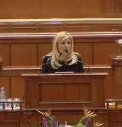 Udrea cere demisia lui Ponta, dupa decizia CCR privind banii luati de la primarii
