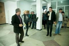 Udrea face arte martiale: Pot sa il bat si fizic pe Ponta (Foto)
