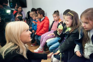 Udrea nu-si mai lanseaza candidatura: A luat manuale si ghiozdane pentru copii de toti banii