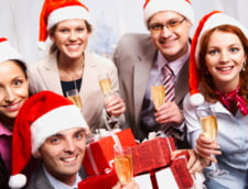 Uitati de petrecerea de Craciun, angajatii prefera bonus in bani