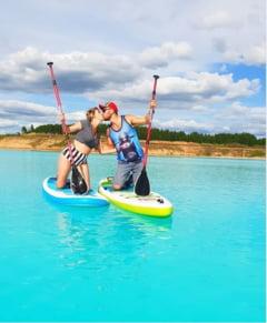 """Ultima fita: Sa faci selfie intr-un lac toxic, """"Maldive de Siberia"""". Apele par intr-adevar ireale, dar iata ce risca turistii (Galerie foto)"""