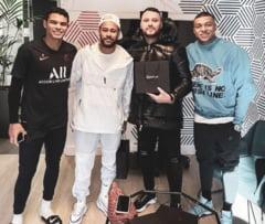 Ultima moda in fotbalul mondial: telefoane placate cu aur de 24 de karate. Cat au platit Messi si Neymar pe noile produse