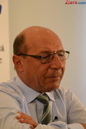 Ultima solutie, victimizarea dlui Basescu? (Opinii)