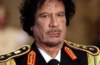 Ultimele minute din viata lui Gaddafi, povestite de un luptator libian (Video)