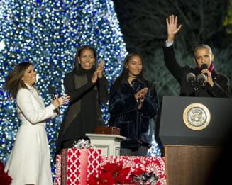 Ultimul Craciun la Casa Alba: Barack Obama a aprins emotionat luminitele si a cantat colinde (Video & Galerie foto)