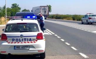 Un șofer a fugit după ce a intrat pe contrasens și a provocat un accident într-o localitate din Sibiu