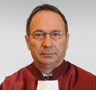 Un ONG cere incetarea mandatului lui Dorneanu, care ar refuza sa aplice decizia CCR in cazul Lazaroiu