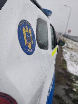 Un adolescent de 16 ani a fost batut de un barbat, pe stadionul din Cavnic. Agresorul, cercetat pentru loviri si alte violente VIDEO