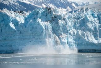 Un aisberg gigant, de circa 6.000 de kilometri patrati, s-a desprins de Antarctica