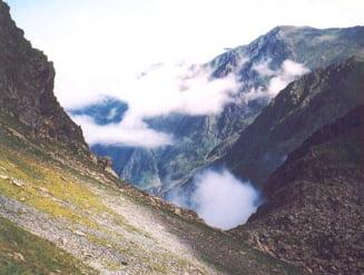 Un alpinist a murit dupa ce a cazut intr-o prapastie din Fagaras