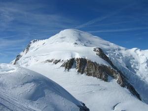 Un alpinist roman a murit in timp ce escalada masivul Mont Blanc