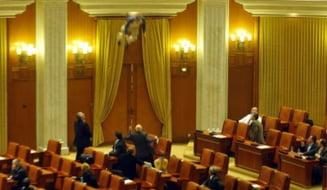 Un angajat TVR s-a aruncat de la balconul Parlamentului