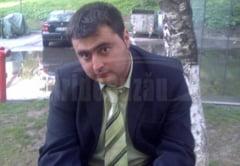 Un angajat al Ocolului Silvic Penteleu a murit dupa ce a cazut cu camionul cu lemne in rapa, la Gura Teghii