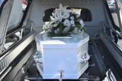Un angajat la pompe funebre a povestit cum cumpara de la Ambulanta informatii despre morti. Un pont banal, platit cu 600 de lei