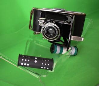 Un aparat de fotografiat, vechi de circa 80 de ani - exponatul lunii, la muzeul din Deva