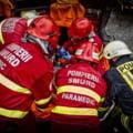 Un apartament din Galați a ars de la o lumânare uitată aprinsă. 12 persoane evacuate de urgență