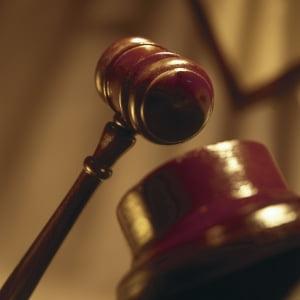 Un articol din Legea privind statutul judecatorilor si procurorilor, neconstitutional