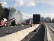 Un autocar a luat foc pe o autostrada din Germania: Politia confirma ca 18 oameni au murit (Video)