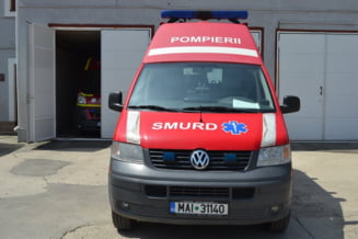 Un autocar cu turisti canadieni s-a ciocnit cu o masina in Brasov: Doi oameni au murit
