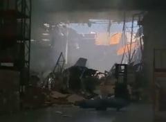 Un avion F16 s-a prabusit peste o cladire in America (Foto&Video)