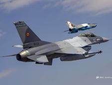Un avion MiG 21 s-a prabusit la un show aviatic, in apropiere de Autostrada Soarelui (Foto & Video) UPDATE Pilotul a murit carbonizat