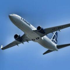 Un avion TAROM s-a intors din drum dupa ce un geam s-a fisurat UPDATE