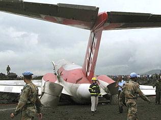Un avion a aterizat pe lava
