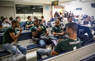 Un avion cu o echipa de fotbal la bord s-a prabusit in Columbia: 71 de oameni au murit (Foto)