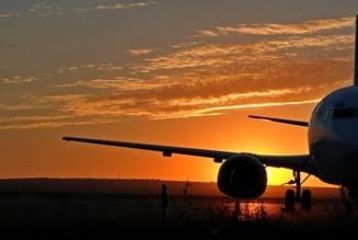 Un avion cu peste 100 de pasageri, care venea spre Bucuresti, a aterizat de urgenta la Constanta UPDATE