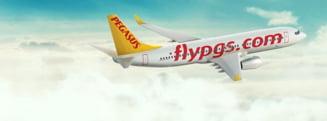 Un avion de pasageri a iesit de pe pista si a ramas blocat in noroi, in Turcia
