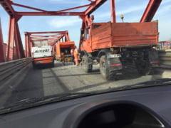 Un aviz intarzie inca doua saptamani inceperea lucrarilor de reabilitare a podului de la Maracineni