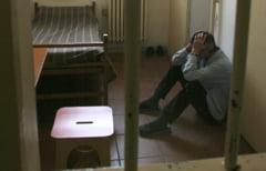 """Un bărbat arestat la domiciliu a cerut transferul în închisoare întrucât """"coabitarea forțată"""" cu soţia lui devenise imposibilă"""