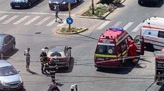 Un baiat de 4 ani si o adolescenta de 17 ani, victimele unui accident produs intr-o intersectie din Slatina