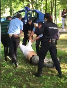 Un barbat a murit dupa interventia brutala a jandarmilor UPDATE I-au dat cu spray lacrimogen direct in fata