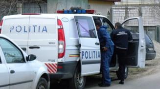 Un barbat de 49 de ani a murit in urma unui scandal petrecut la Valcele. Trei barbati si un minor implicati, unul a folosit un ciocan