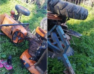 Un barbat de 77 de ani din Vrancea a murit strivit de tractor. S-a intamplat luni seara
