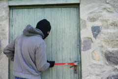 Un barbat din California este suspectat ca a importat ilegal un mozaic antic din Siria