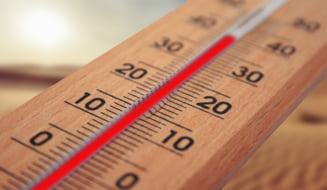 Un barbat din Iasi a murit dupa ce a fost gasit pe strada cu hipertermie. Temperatura corpului urcase la peste 42 de grade Celsius